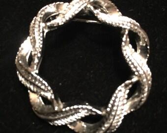 Gerrys Silvertone Pin
