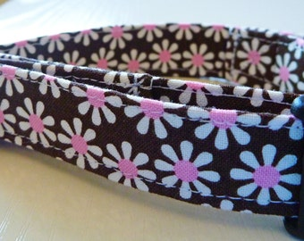 """Chocolate Brown and White & Pink Daisies Dog Collar - """"Chocolate Daisies"""" - Free Colored Bu"""