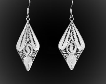 The stained glass embroidery of Silver earrings