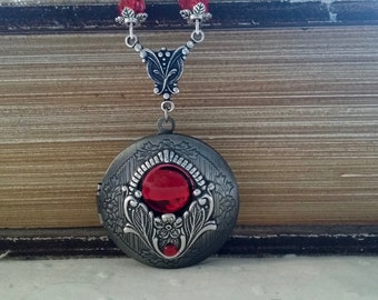 Steampunk to the Red jewel pendant necklace