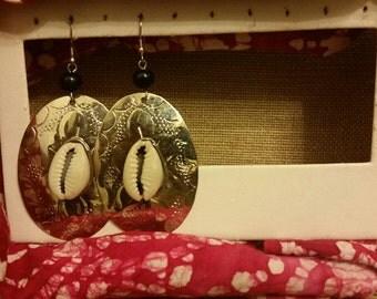 Silver Cowry Shell earrings