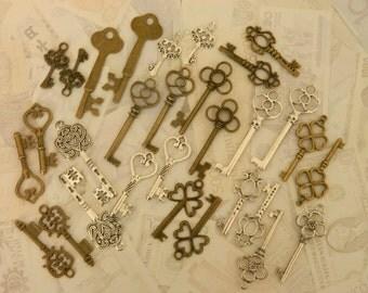 Skeleton keys set 30 keys mixed lot of skeleton keys victorian steampunk wedding keys charms bulk old vintage keys wholesale charms clés