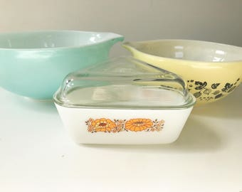 RESERVED Vintage 1978 JAJ Pyrex Sunflower Triangular Refrigerator Cheese Dish with Lid