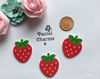 Pack of 3 resin strawberry embellishments