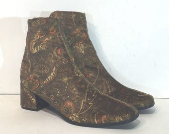 1960s brown and gold velvet paisley ankle boots - size 8.5 - 1960s paisley boots - 60s chelsea boots - 1960s velvet boots - 60s ankle boots