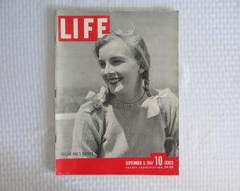 """Vintage 1941 Life Magazine Wartime Issue September 8 """"College Girl's Pigtails"""" - Stalin , Russia in Wartime"""