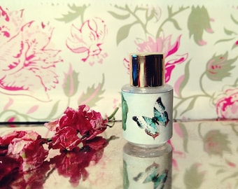 """Natural Rose Perfume oil Honeycomb and Wild Rose Fragrance """"the Rose Bee"""" Botanical Natural and Organic 3 ml with Samples cruelty free"""