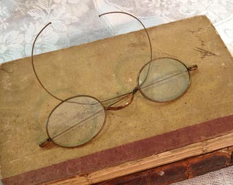 Antique metal wire frame spectacles eyeglasses eye glasses eyewear wear oval lenses Edwardian Steampunk hippie boho chic fashion accessory
