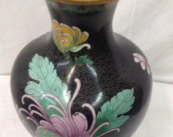 Stunning Cloisonne vase