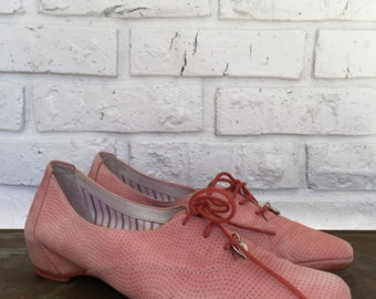 Women's Coral/Pink Leather Oxfords, EUR size 40, US 9