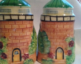 Japanese Little Houses Vintage Cruet Set