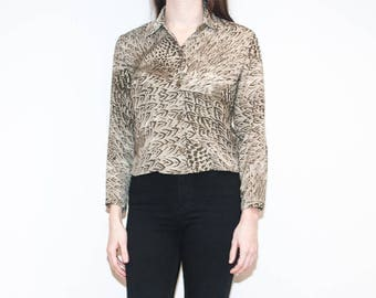 90s beige feather pattern blouse / animal print cropped button-up / size S