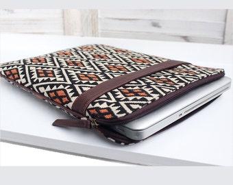 Laptop & iPad Sleeve   Funky Town