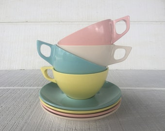 Vintage Pastel 1950's Melamc Mar-Crest cup / saucer, mid century melmac melamine dish, camping picnic travel trailer dishes, atomic dishes