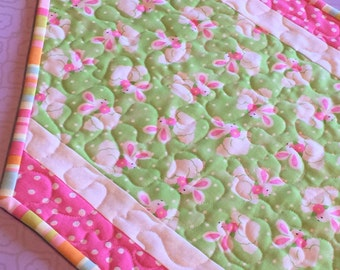 Easter table runner quilt, Easter decorations, quilted table runner Easter,spring decorations, Easter centerpiece, Easter table topper