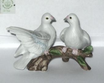 Lefton Japan Doves 00754 MINIATURE Pair White Bird Figurine Domestic Sisters Twins