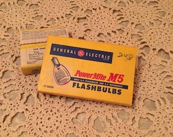 1950s/60s General Elctric PowerMite M5 Flash Bulbs