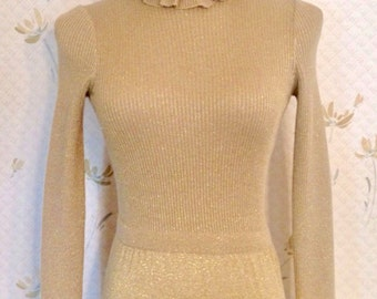 Vintage Gold Lurex Maxi Dress. Absolutely to die for. Extra Small