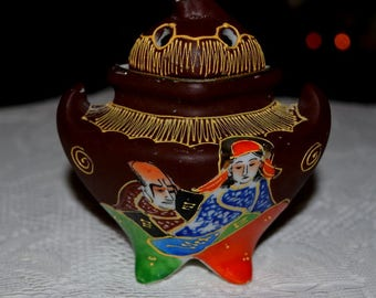 Vintage Asian Satsuma With Moriage 3-D Raised Incense Pottery Burner Pagoda Style Pot