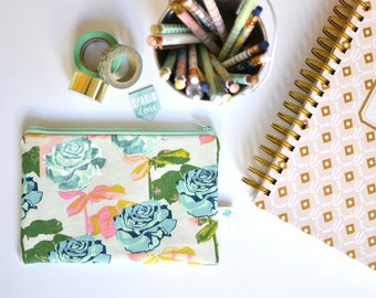 Floral Makeup Bag, Planner Pouch, Purse Organizer Purse Insert Zipper Wallet for Women Change Purse Rose Fabric Zip Pouch Small Zippered Bag