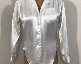Vintage Ivory Polyester Blouse By Notorious With Shoulder Pads Size 3
