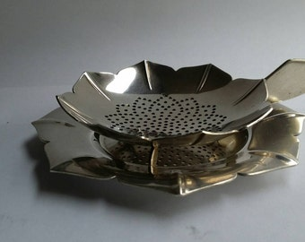 Sola silverplate  tea strainer with saucer , rare in this conditions  - mint conditions,  marked