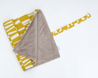 Change Pad Roll-Up Portable Change Mat Yellow Geometric Baby Change Pad Gender Neutral Stroller Blanket
