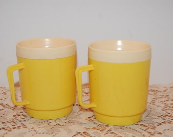 Vintage Insulated Cups, Picnic Cups, Camping Mugs, Thermal Mugs, Bright Yellow Thermal Mugs, Retro Plastic Cups