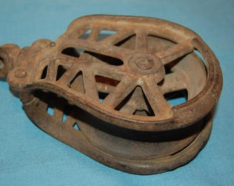 Antique Cast Iron Pulley, Barn Loft Pulley, Iron Pulley, Industrial Pulley, Farm Decor