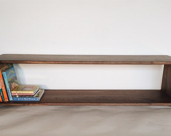 Ella Adams' Simple Bookshelf