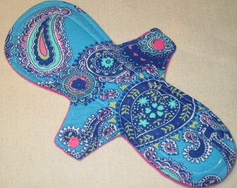 10.5 in. Teal 'n Blue Paisley Moderate Cloth Pad