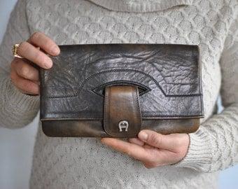 Vintage AIGNER LEATHER clutch .....(499)