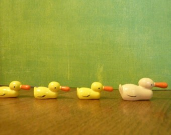 4 Miniature Wood Duck Chick Bird Erzgebirge Duckling Yellow Family Terrarium Vintage Hand Painted Easter Figure Craft Supply Lot (#368)