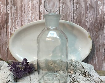 Vintage Glass Apothecary Bottle/Glass Stopper/Vitro USA