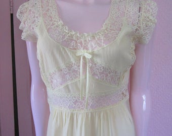 """1940s Pale Yellow Rayon Nightgown with Lace by """"Lady Edso,"""" Size 36"""