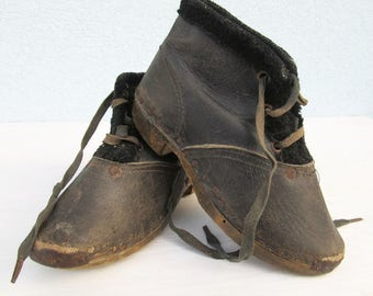 Antique Rare Childs PAIR SHOES Primitive Booties Leather Wood early 1900