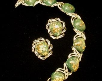 Speckled Sparkly Green Gold Bracelet Earrings Set Vintage
