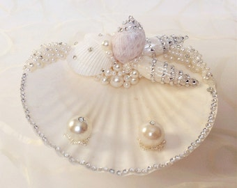 Beach Ring Bearer Sea Shell, Beach Wedding Ring Bearer Pillow, Wedding Ring Holder, Wedding Ring Pillow, Wedding Ring Dish