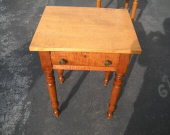 American Federal Birds Eye/Tiger Maple Side Table Circa 1840