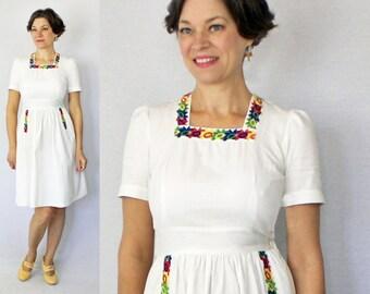 "1930s Day Dress / 30s Day Dress / 30s Dress / 1930s dress / Puff Sleeve Dress / White Dress / 30s XS Small Dress / Bust 33"" Waist up to 27"""