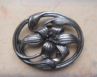 Nice Flower Buckle Lily, Belt Buckle Old Silver Colored , Signed RH