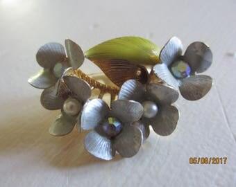 New Beautiful Vintage Enamel Flower Pin Brooch, Vintage Flower Brooch, Grandma Gift,