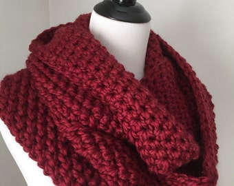 Chunky Crochet Infinity Cowl, Red Cozy Cowl, Crochet Cowl Scarf