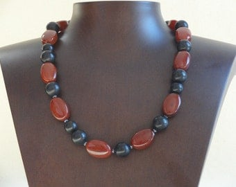 Mixed 1-Row Necklace with Carnelian and Onyx Gemstones and Coated Spinel.