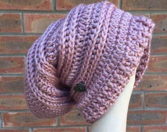 Slouchy crochet hat - rose pink
