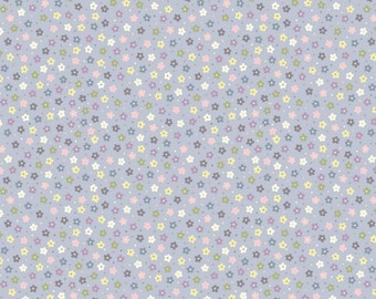 Lewis & Irene Salisbury Spring Patchwork Quilting Fabric A206.3 Little multi daisies on lavender