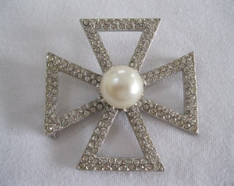 Vintage Kenneth Lane Maltese Cross Brooch With Pearl And Rhinestones Crystals