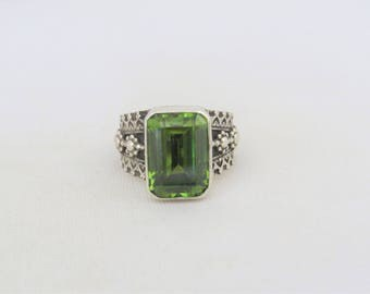 Vintage TRIBAL Sterling Silver Green Peridot Domed Ring Size 7