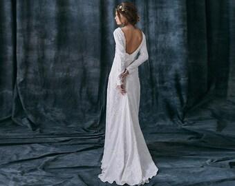 Razia / Bohemian Rustic wedding dress linen Alternative long sleeves bridal gown boho wedding dress Low back with sleeves silhouette dress