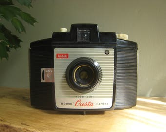 Vintage Kodak Brownie Cresta Camera, Vintage Photography, 1950s